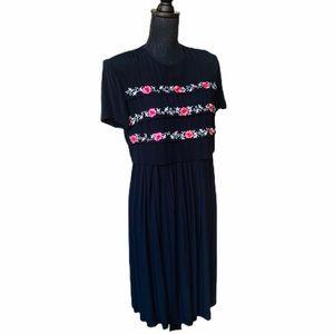 Karen Stevens Vintage Embroidery Dress